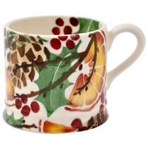 Small Mug Holly Wreath